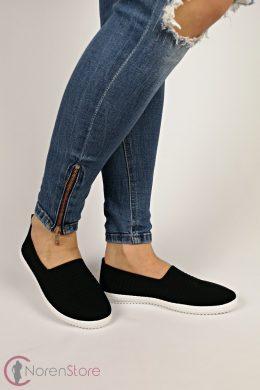 Fekete slip-on női cipő